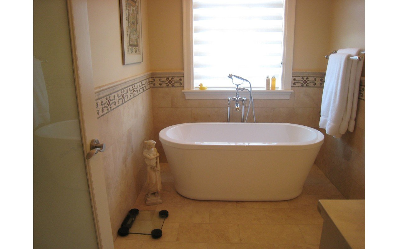 Aquatica PureScape™ 302 Freestanding Acrylic Bathtub